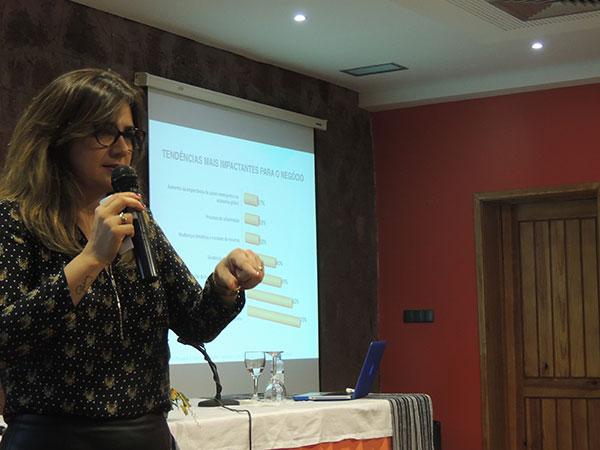Palestra Claudia Lisboa