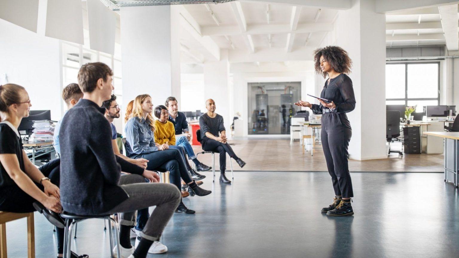 treinamento e desenvolvimento de funcionários